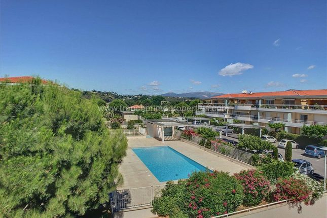 4 bed apartment for sale in Antibes, Provence-Alpes-Cote D'azur, France