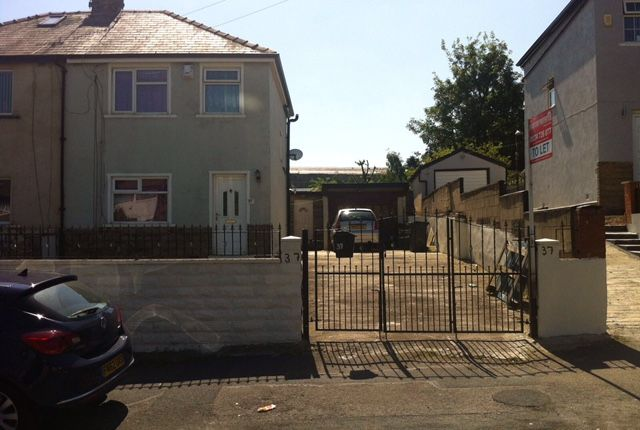 Thumbnail Semi-detached house to rent in Spencer Road, Bradford