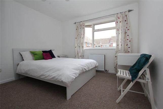 Thumbnail Room to rent in Vandyke, Bracknell, Berkshire