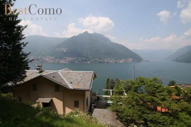 3 bed detached house for sale in Faggeto Lario, Lake Como, Lombardy, Italy