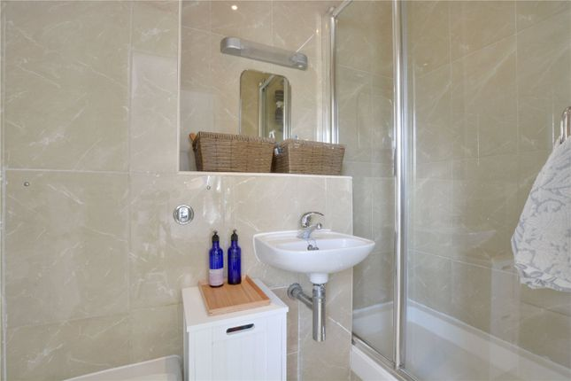 En-Suite of Charville Court, Trafalgar Grove, Greenwich, London SE10