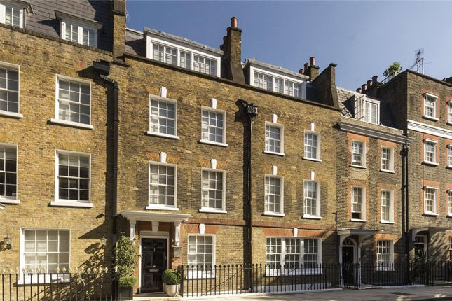 Thumbnail Property for sale in Buckingham Place, Westminster, London