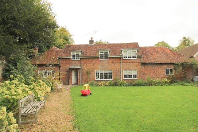 Thumbnail Cottage to rent in Avington, Winchester