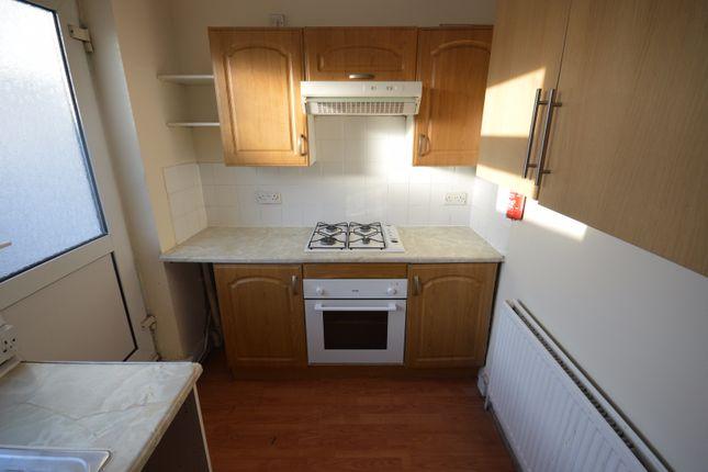 Thumbnail Flat to rent in Balgores Lane, Gidea Park