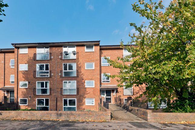 1 bed flat for sale in Berrylands, Surbiton KT5