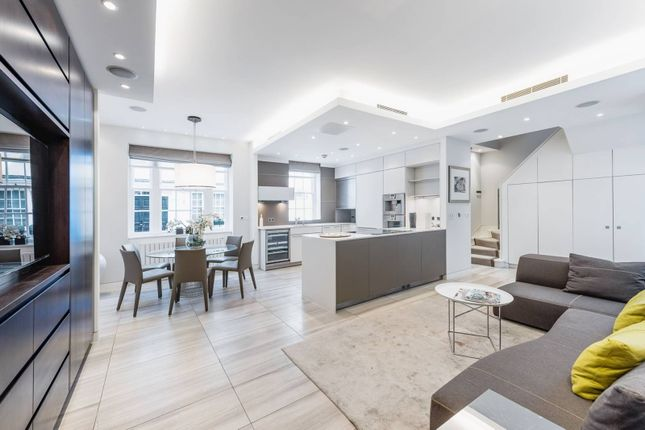 Thumbnail Terraced house to rent in Lowndes Close, Belgravia