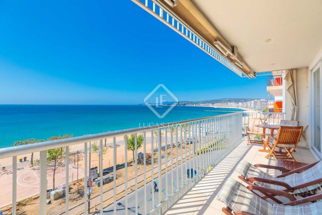 Thumbnail Apartment for sale in Spain, Costa Brava, Palamós, Cbr18274