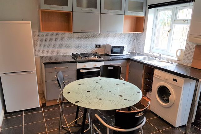 Thumbnail Flat to rent in Leamington Road, Southall