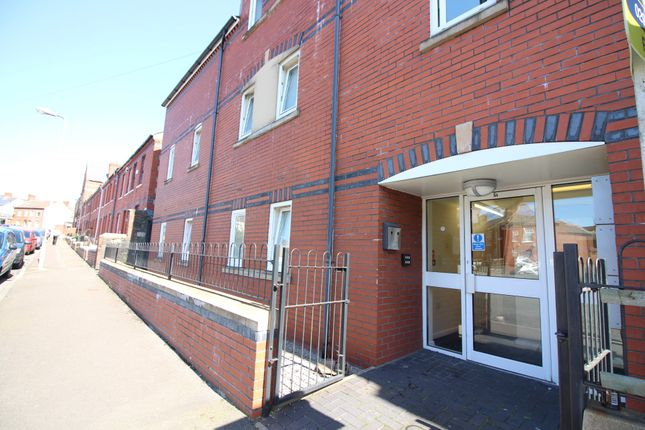Thumbnail Flat to rent in Gwyneth House Flat 4, Cathays, Cardiff