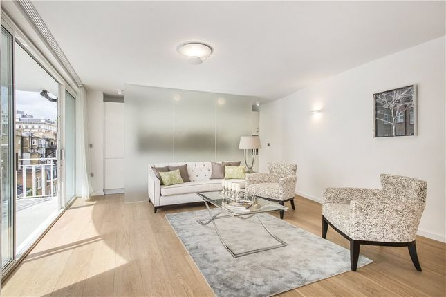 3 bed flat for sale in William Mews, London