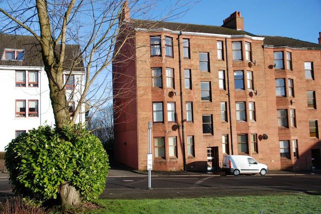 Thumbnail Flat to rent in Carwood Court, Greenock