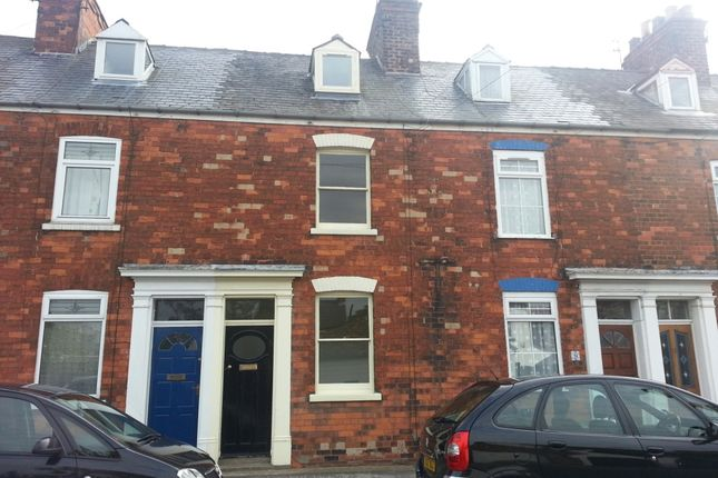 Thumbnail Town house to rent in Grove Park, Beverley