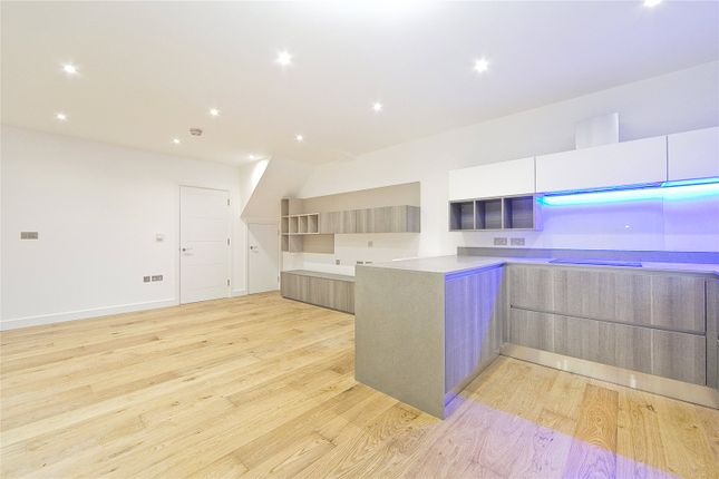 Thumbnail Terraced house to rent in Moray Mews, London
