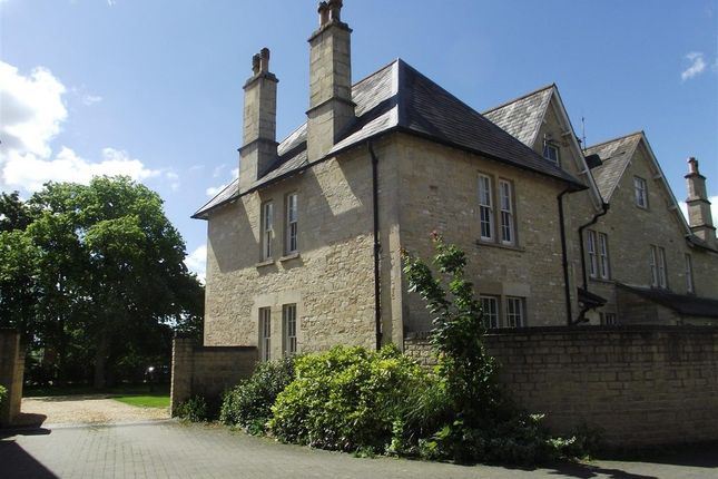 Thumbnail Semi-detached house to rent in Lickhill Road, Calne