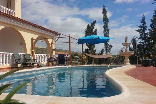 Thumbnail Villa for sale in Guía De Isora, Santa Cruz De Tenerife, Spain