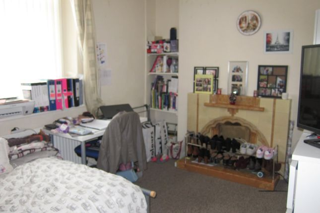 Thumbnail Property to rent in Meadow Street(19), Treforest, Pontypridd