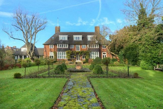 Thumbnail Detached house for sale in Linnell Drive, Hampstead Garden Suburb, London