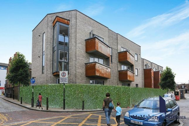 Thumbnail Property for sale in Comet Street, London