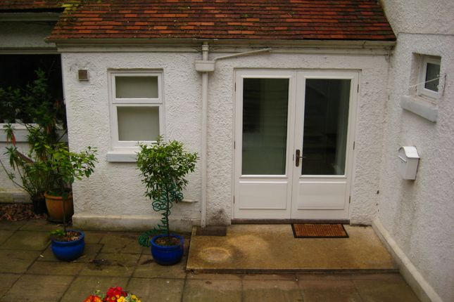 Thumbnail Flat to rent in Coach Road, Newton Abbot
