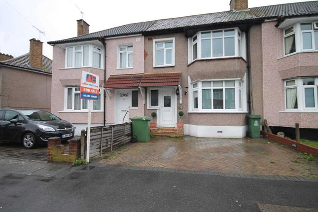 Thumbnail Property for sale in Hind Crescent, Erith
