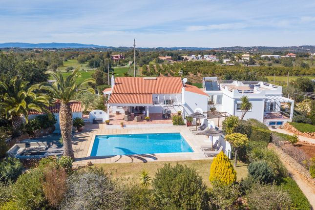 Thumbnail Villa for sale in Alcantarilha, Silves, Portugal