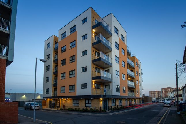Thumbnail Duplex for sale in Oxford Road, Luton