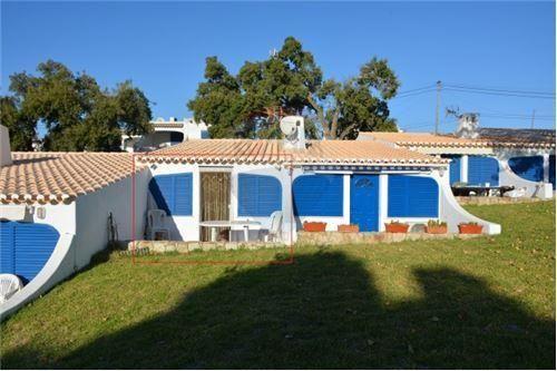 1 bed villa for sale in Albufeira, Portugal