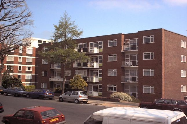 1 bed flat to rent in Palmeira Avenue, Hove