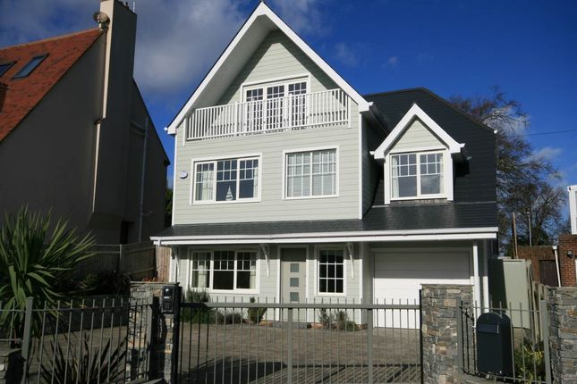 5 bed property to rent in Elms Avenue, Lilliput, Poole BH14
