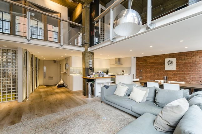 Thumbnail Flat to rent in Summers Street, London