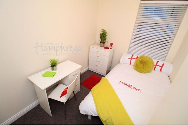 Thumbnail Shared accommodation to rent in Eastney Road, Southsea