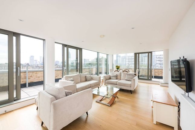 Thumbnail Flat to rent in Palm House, Vauxhall