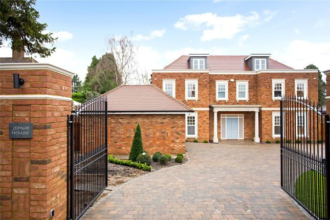 Thumbnail Detached house for sale in Doggetts Wood Lane, Chalfont St. Giles, Buckinghamshire