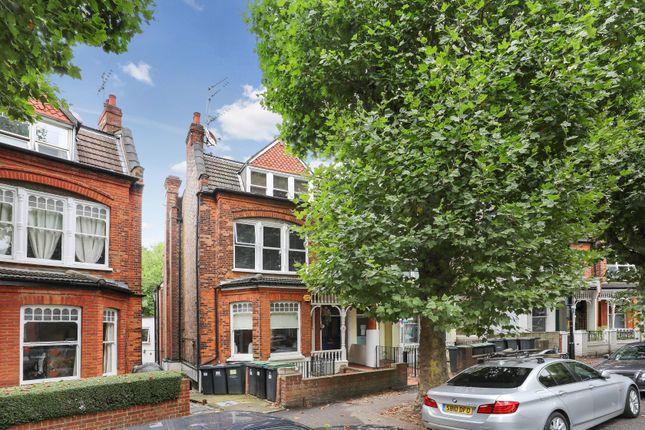 Thumbnail Flat for sale in Kings Avenue, London