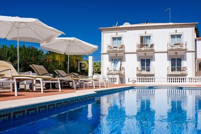 11 bed villa for sale in Fuzeta, Algarve, Portugal