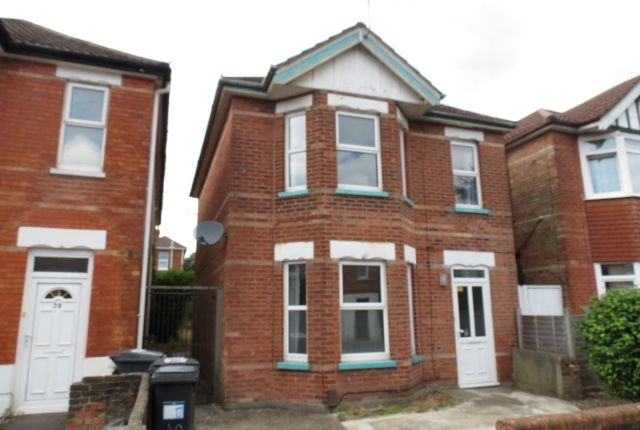 Thumbnail Detached house to rent in Sedgley Road, Winton, Bournemouth