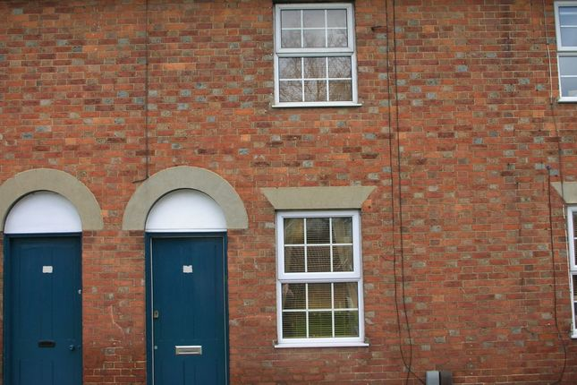 Thumbnail Terraced house to rent in Lingfield Road, Edenbridge
