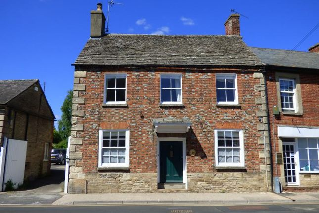 Thumbnail Property for sale in High Street, Lechlade