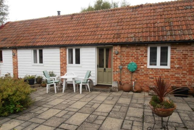 Thumbnail Property to rent in Moreton Farm, Moreton Lane, Northmoor, Oxon