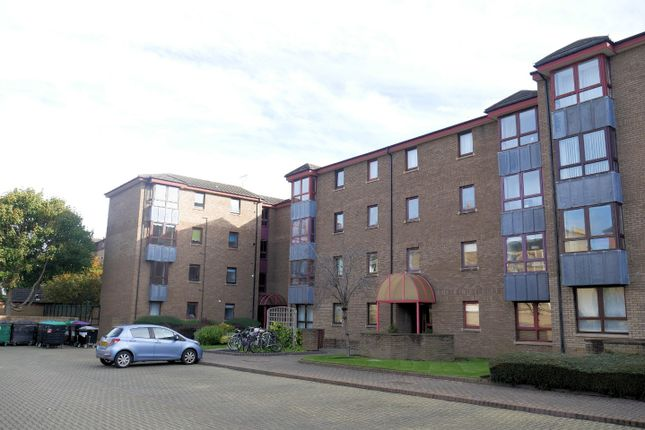 Thumbnail Flat to rent in Sienna Gardens, Newington, Edinburgh