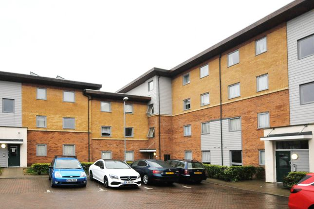2 bed flat for sale in Millicent Grove, Palmers Green N13