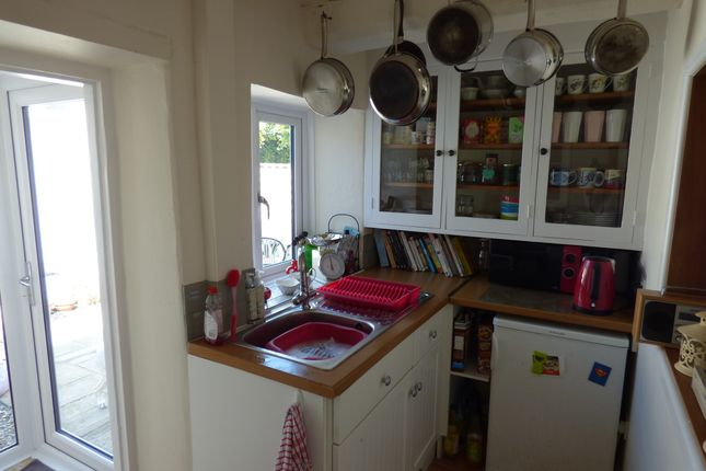 Kitchen of Winsmore Lane, Abingdon OX14