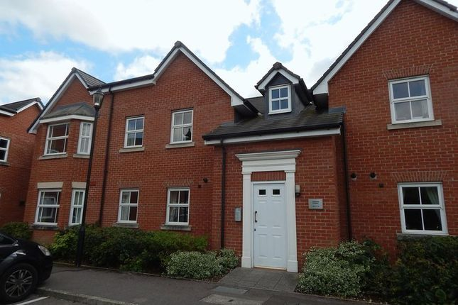 Thumbnail Flat for sale in Spire View, Salisbury
