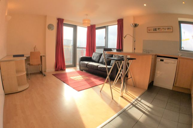 Thumbnail Flat to rent in Velocity East, 5 City Walk, Leeds