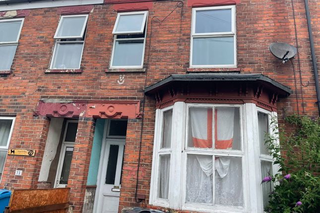 Thumbnail Flat for sale in Cholmley Street, Hull