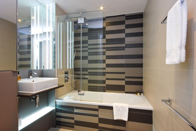 3 bed flat to rent in Avantgarde Tower, Avantgarde Close, Shoreditch