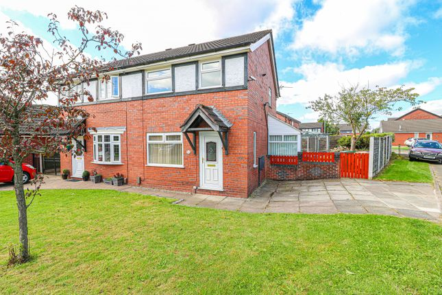 3 bed semi-detached house to rent in Weavers Green, Bolton BL4