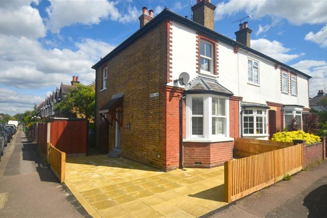 2 bed semi-detached house to rent in Lintons Lane, Epsom KT17