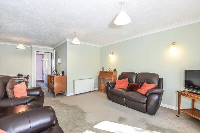256769 (15) of Acorn Drive, Wokingham, Berkshire RG40