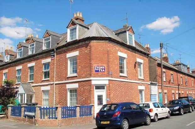 Thumbnail End terrace house to rent in Victoria Road, Cirencester